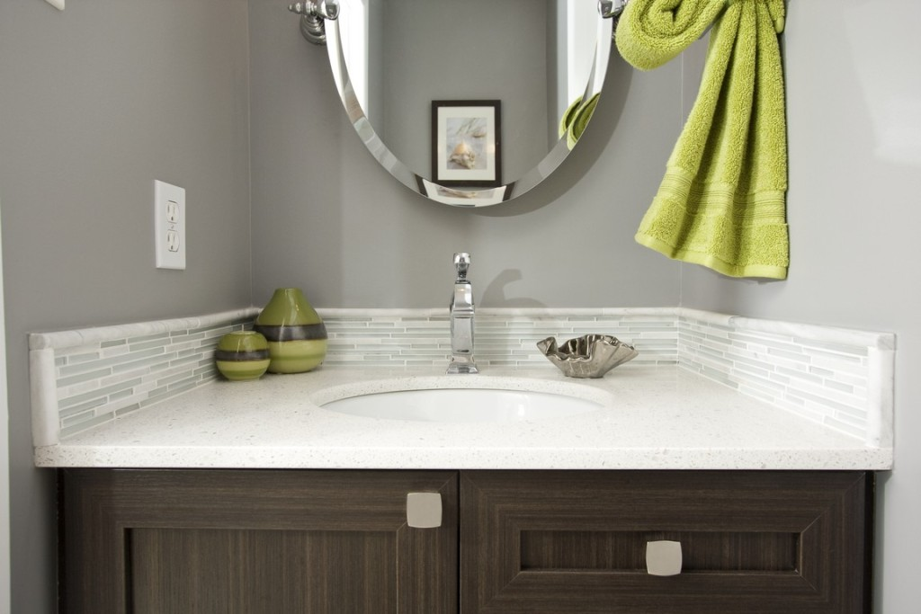 Power room sink & mirror